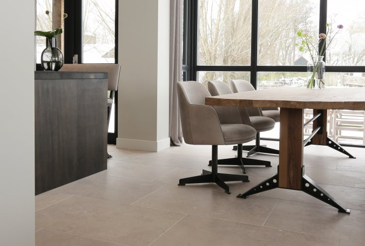 italian floor of natural stone