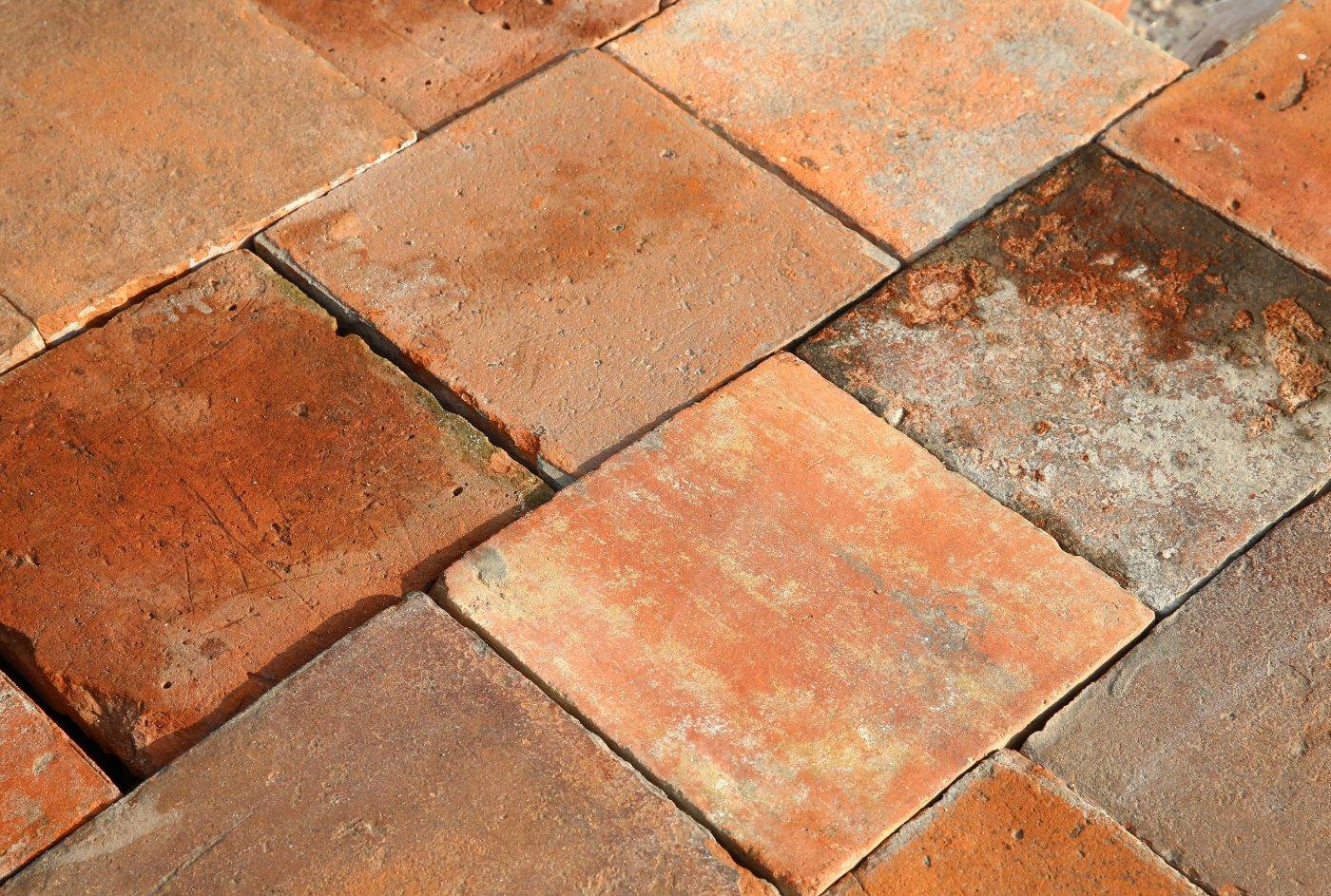 Old Dutch Tiles Ref T06 Reclaimed French Terracotta Tiles