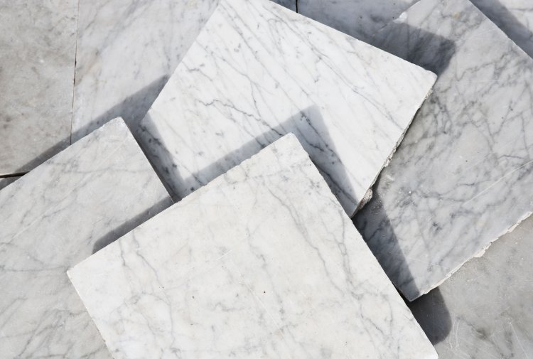 antique white tiles of carrara marble