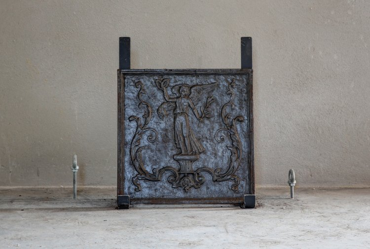 antique fireplate